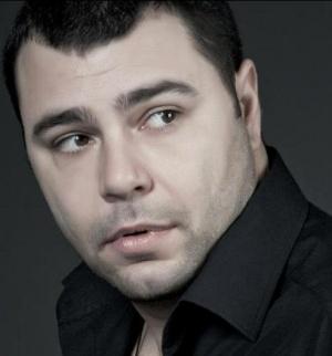 Еленко Ангелов - талантлив оратор, антиконспиративен автор и търсач на истини. Един човек тук и сега.