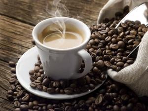 Горещо кафе за ободряващо утро.