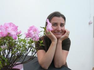 Емилия Илиева-Крайнова-усмихната, красива, многолика и търсеща.