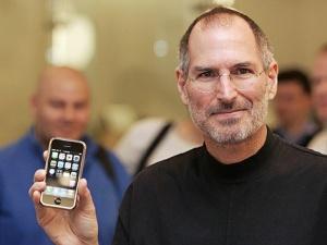 Сритване на задници ала Стив Джобс. Психологически профил на най-успешната откачалка в света на технологиите!