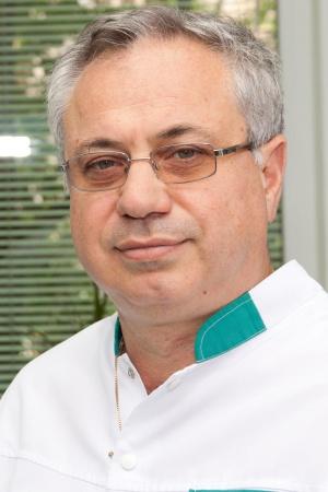 Представяме ви за втори път д-р Венцислав Стоев - спокоен, усмихнат и доволен от живота.